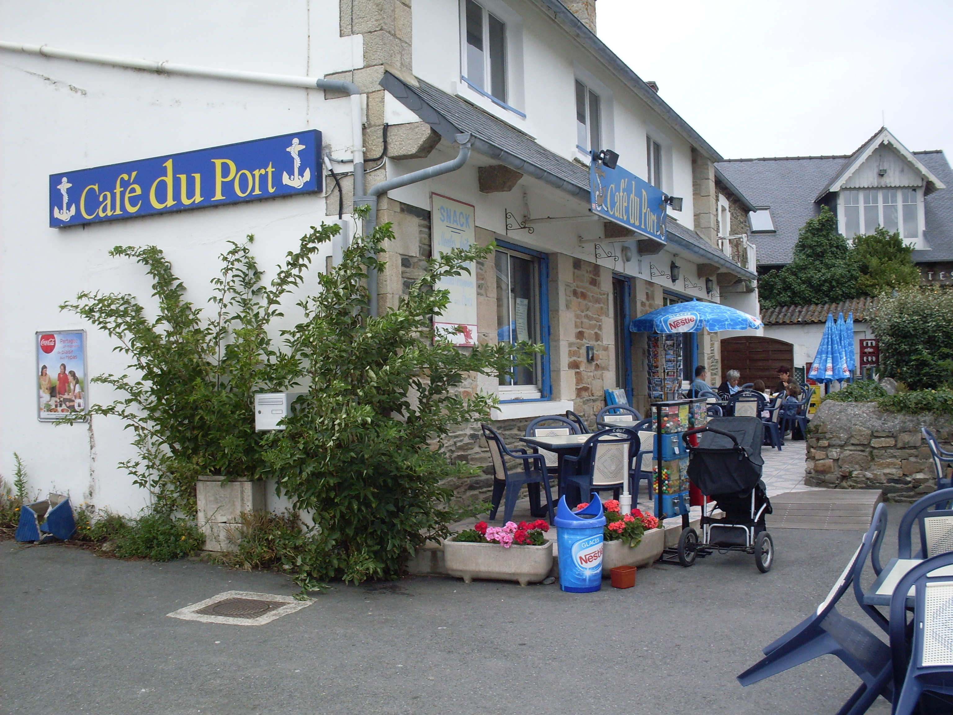 © #http://cdt22.media.tourinsoft.eu/upload/Cafe-du-Port_1.jpg