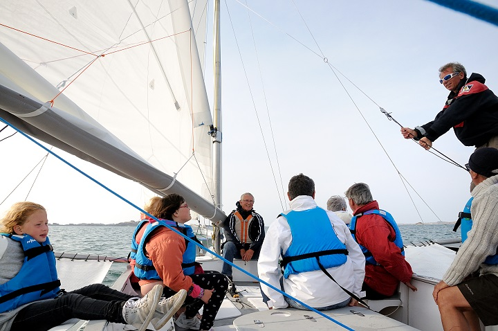 ©Office de tourisme de Trébeurden#http://cdt22.media.tourinsoft.eu/upload/ecole-de-voile2.jpg